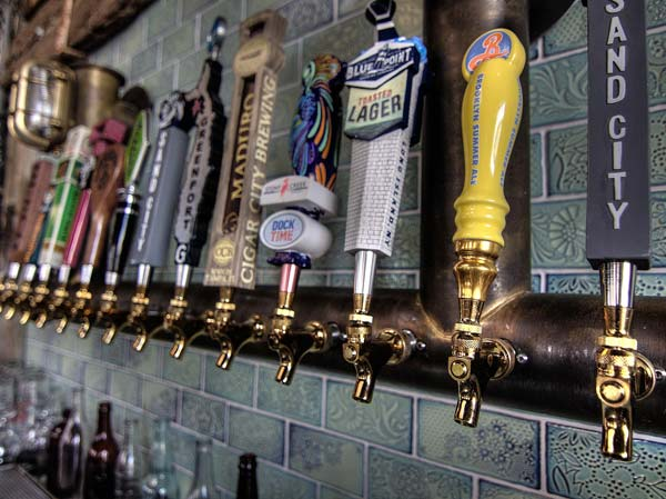 bay shore sports bar craft beer